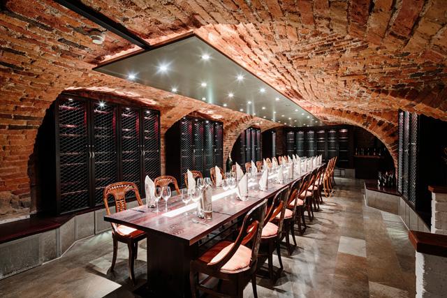 Viinikellari-kabinetti sijaitsee Eteläranta 16 osoitteessa.